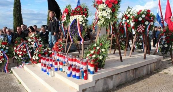Izaslanstvo Općine Vir odalo počast škabrnjskim žrtvama